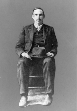 A photograph of Charles Decker, Jr. Burbage26.
